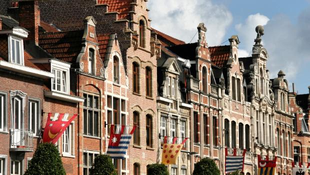 Uit het parlement - Leuven voegt zich toe aan de lijst van steden met praktijktesten