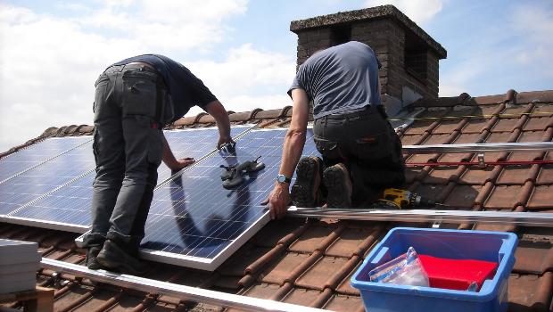 Kan de huurprijs herzien worden na het plaatsen van zonnepanelen?