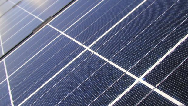 Grondwettelijk Hof vernietigt regeling terugdraaiende teller voor eigenaars zonnepanelen