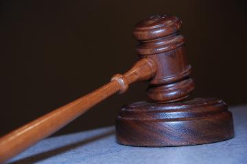 Welke mogelijkheden bestaan er, volgens het Vlaams woninghuurdecreet, om een huurprijs te laten herzien door de rechter?